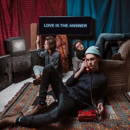 CARNIVAL YOUTH present new single LOVE IS THE ANSWER!